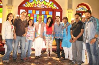 Aparna Hoshing, Govind Namdev, Tena Desae, Neil Nitin Mukesh, Ganesh Yadav