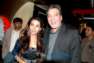 Photo Of Amrita Rao,Javed Sheikh (Pakistan) From The Premiere Of My Name Is Anthony Gonsalves