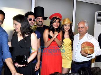 Rohan Sippy, Kiran Juneja, Ayushmann Khurrana, Kunaal Roy Kapur, Gaelyn Mendonca, Pooja Salvi, Ramesh Sippy