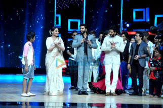 Sonakshi Sinha, Ranveer Singh, Riteish Deshmukh, Ashley Lobo