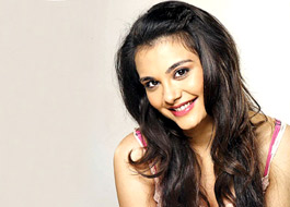 Nazia Hussain in Telugu version of Aashiqui 2