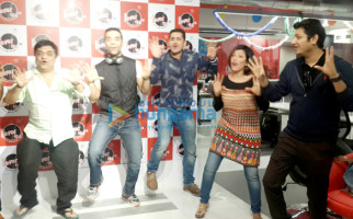 Swanand Kirkire, Kushal Punjabi, Siddharth Sharma, Shilpa Shukla, Ritesh Menon