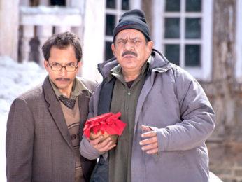 Movie Still From The Film Teen Thay Bhai,Deepak Dobriyal,Om Puri