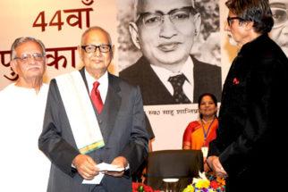Photo Of Gulzar,Dr. Akhlaq Mohammed Khan Shahryar,Amitabh Bachchan From The Amitabh Bachchan felicitates Shahryar with 44th Jnanpith Award
