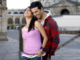 Movie Still From The Film Desi Boyz,Chitrangda Singh,Akshay Kumar