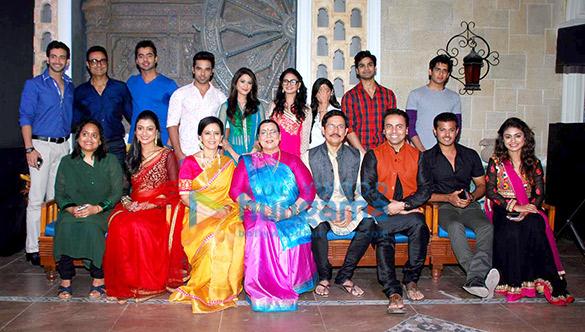 Vineet Raina,Neil Bhatt, Aishwarya Narkar, Ravjeet Singh, Dimple Jhangiani, Anand Suryavanshi, Tushar Dalvi, Sreejita De