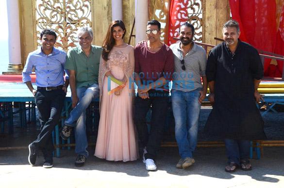 Innamulhaq, Prakash Belawadi, Nimrat Kaur, Akshay Kumar, Raja Krishna Menon, Kumud Mishra
