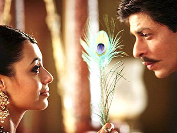 Movie Still From The Film Paheli,Rani Mukerji,Shahrukh Khan