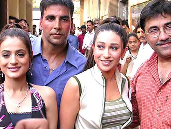On The Sets Of The Film Mere Jeevan Saathi Featuring Ameesha Patel,Akshay Kumar,Karisma Kapoor