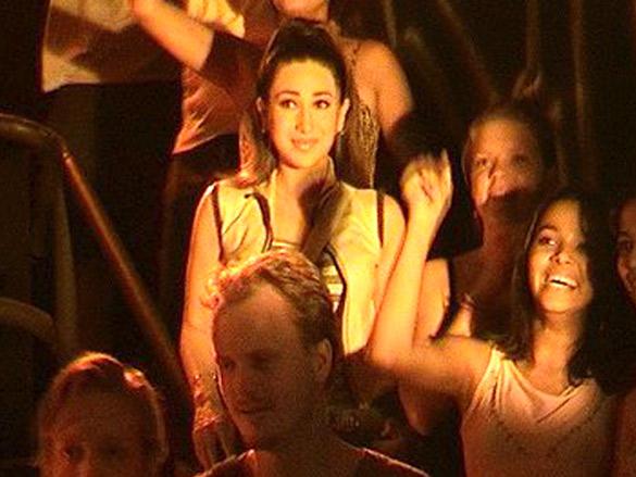 On The Sets Of The Film Mere Jeevan Saathi Featuring Karisma Kapoor