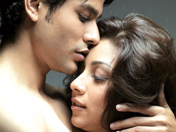 Movie Still From The Film Blood Money,Kunal Khemu,Amrita Puri