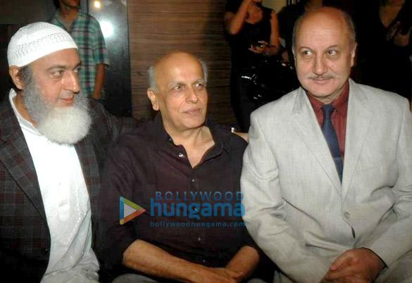 Gulshan Grover,Mahesh Bhatt,Anupam Kher