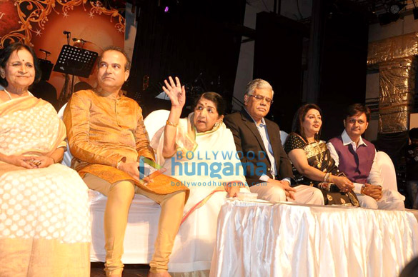 Suresh Wadkar, Lata Mangeshkar, Vandana Gupte, Sunil Barve