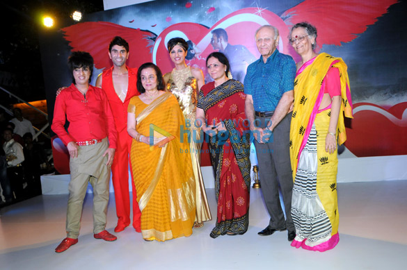 Rohhit Verma, Sandip Soparrkar, Asha Parekh, Jesse Randhawa, Vidya Sinha