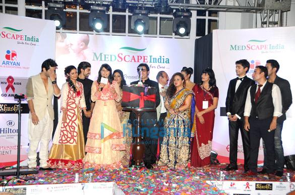 Nakuul Mehta, Debina Bonnerjee, Gurmeet Choudhary, Dr. Sunita Dube, Dr. Niraj Dube, Vandana Sajnani, Vivek Mishra