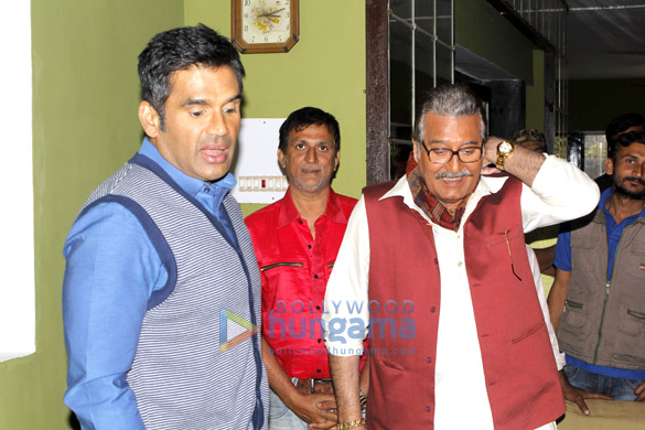 Suniel Shetty,Vinod Khanna