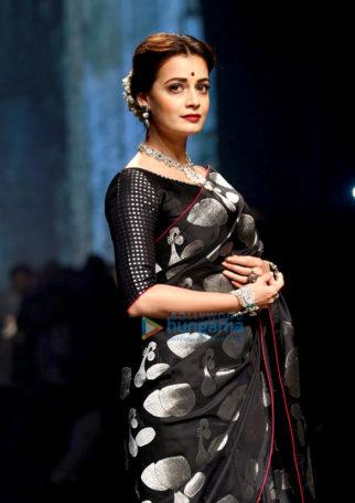 Dia Mirza walks for Tulsi Silks Saree at Lakme Fashion Week 2016