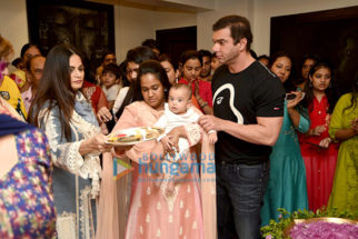 Sohail Khan, Arpita Khan and others at Salman Khan's Ganesha visarjan