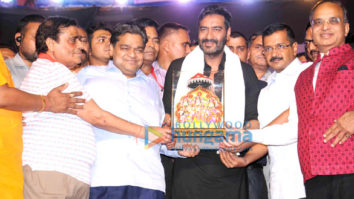 Ajay Devgn burns Raavan's effigy in Delhi on Dussehra