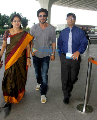 Shah Rukh Khan, Aishwarya Rai Bachchan, Sanjay Dutt & others snapped at the airport