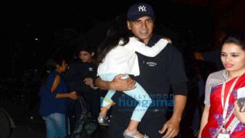 Akshay Kumar, Arjun Kapoor and Elli Avram depart for Christmas & New Year holidays