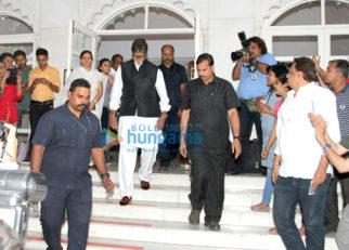 Celebs attend Om Puri's prayer meet