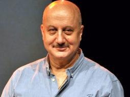 Anupam Kher Walks Away From Media At Dangal Success Party