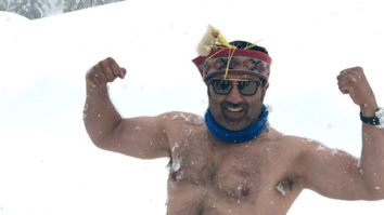 Check out Sunny Deol goes bare-chested in Manali