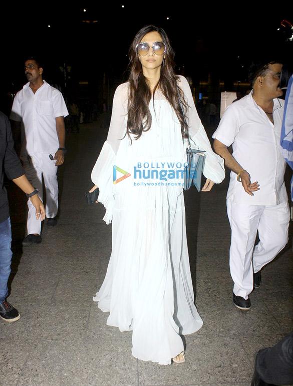Sonam Kapoor, Harshvardhan Kapoor & Rhea Kapoor arrive ...