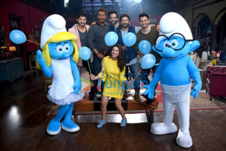 Team of 'Golmaal Again' meet the most loved characters - Brainy Smurf and Smurfette