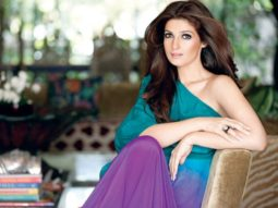 Twinkle-Khanna-gives-befitting