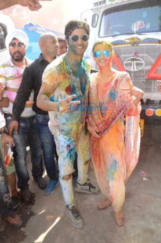 Varun Dhawan & Alia Bhatt grace Zoom Holi bash 2017