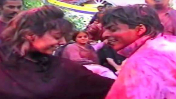 Watch Here's how a FULLY DRENCHED Shah Rukh Khan and Gauri Khan celebrated Holi