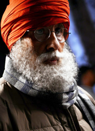 Here's the real reason why Amitabh Bachchan is donning a Sikh look -1