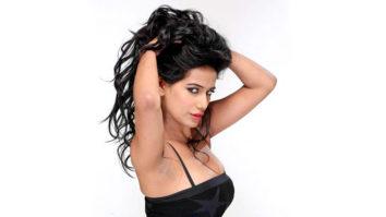 Poonam Pandey Wants To Do Steamy Scenes With Ranveer Singh video