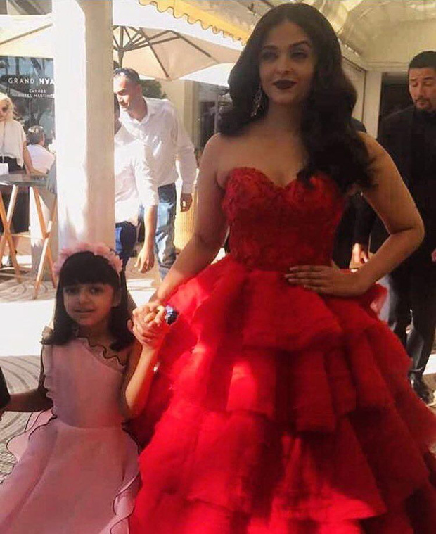 Aishwarya Rai Bachchan took her daughter Aaradhya Bachchan as her date to  Cannes 2017-1