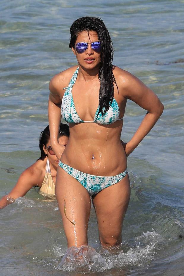 Sexy bollywood in bikini