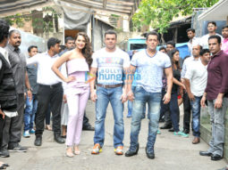 Salman Khan and Sohail Khan promote 'Tubelight' on the sets of Nach Baliye