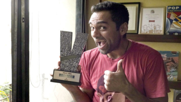 Check out Abhay Deol receives an award for his fight against Racism