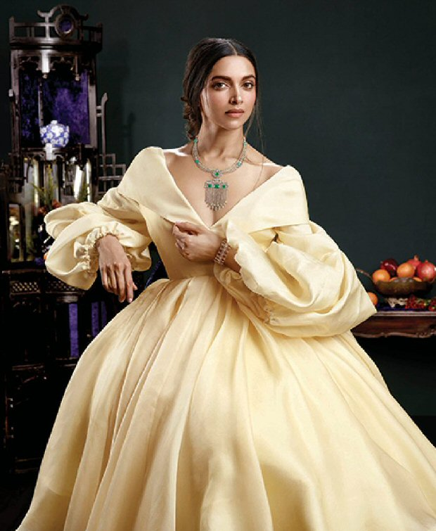 Hotness deepika padukone is a complete stunner in this for Deepika padukone new photoshoot for tanishq jewelry divyam collection