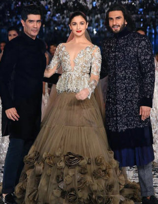 Gully Boy couple Ranveer Singh and Alia Bhatt stun as showstoppers for Manish Malhotra at India Couture Week 2017 (3)