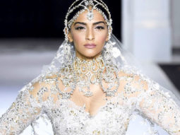HOT Sonam Kapoor Sets The Ramp Walk On FIRE Videos