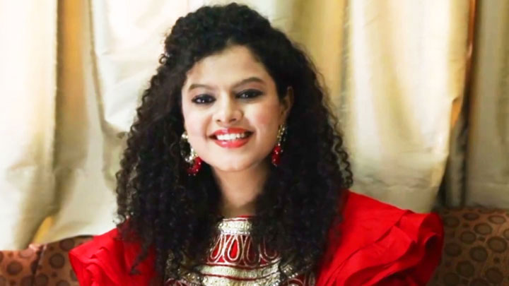 Palak Muchhal REVEALS Her FAVORITE Song By Lata Mangeshkar  Lag Ja Gale  Playlist video