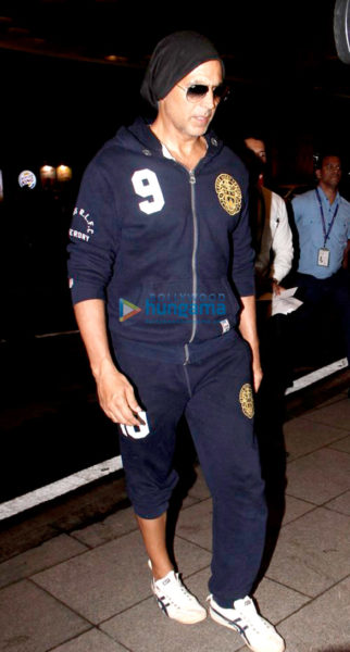 Akshay Kumar, Sushant Singh Rajput and Preity Zinta snapped at the airport
