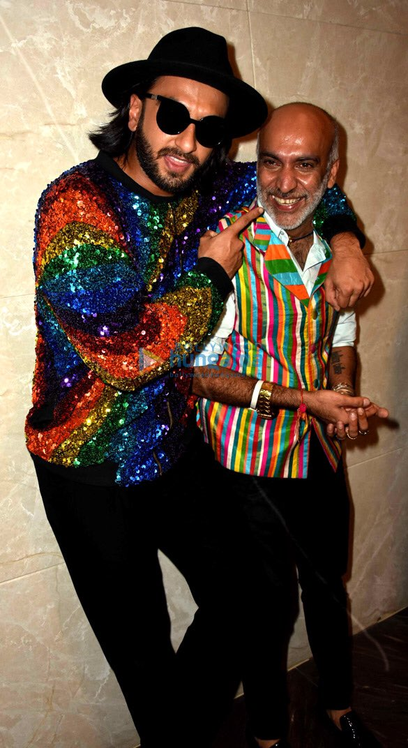Check out Ranveer Singh added more sparkle and colour with his rainbow jacket at the Lakme Fashion Week 2017 (5)