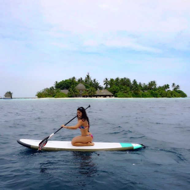 Check out bikini-clad Shenaz Treasury kayaking in Maldives
