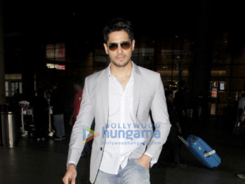 Sidharth Malhotra, Farhan Akhtar, Shreyas Talpade snapped at the airport