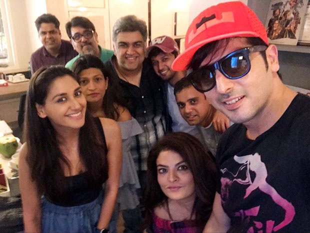 Zayed Khan clicks selfie with co-stars of his TV show debut