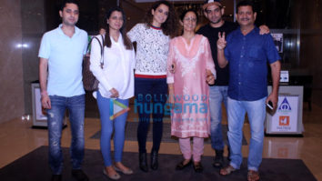 Kangana Ranaut & family snapped post dinner in Bandra