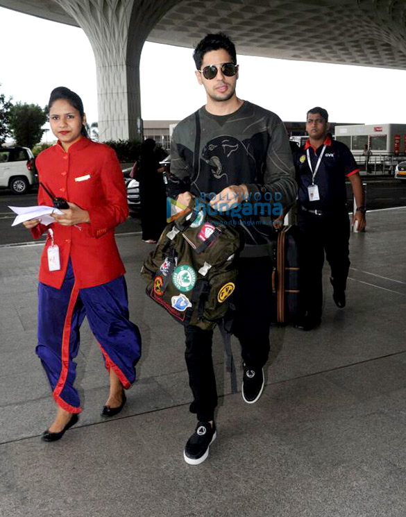 Sidharth Malhotra, Kriti Sanon and Rishi Kapoor snapped at the airport